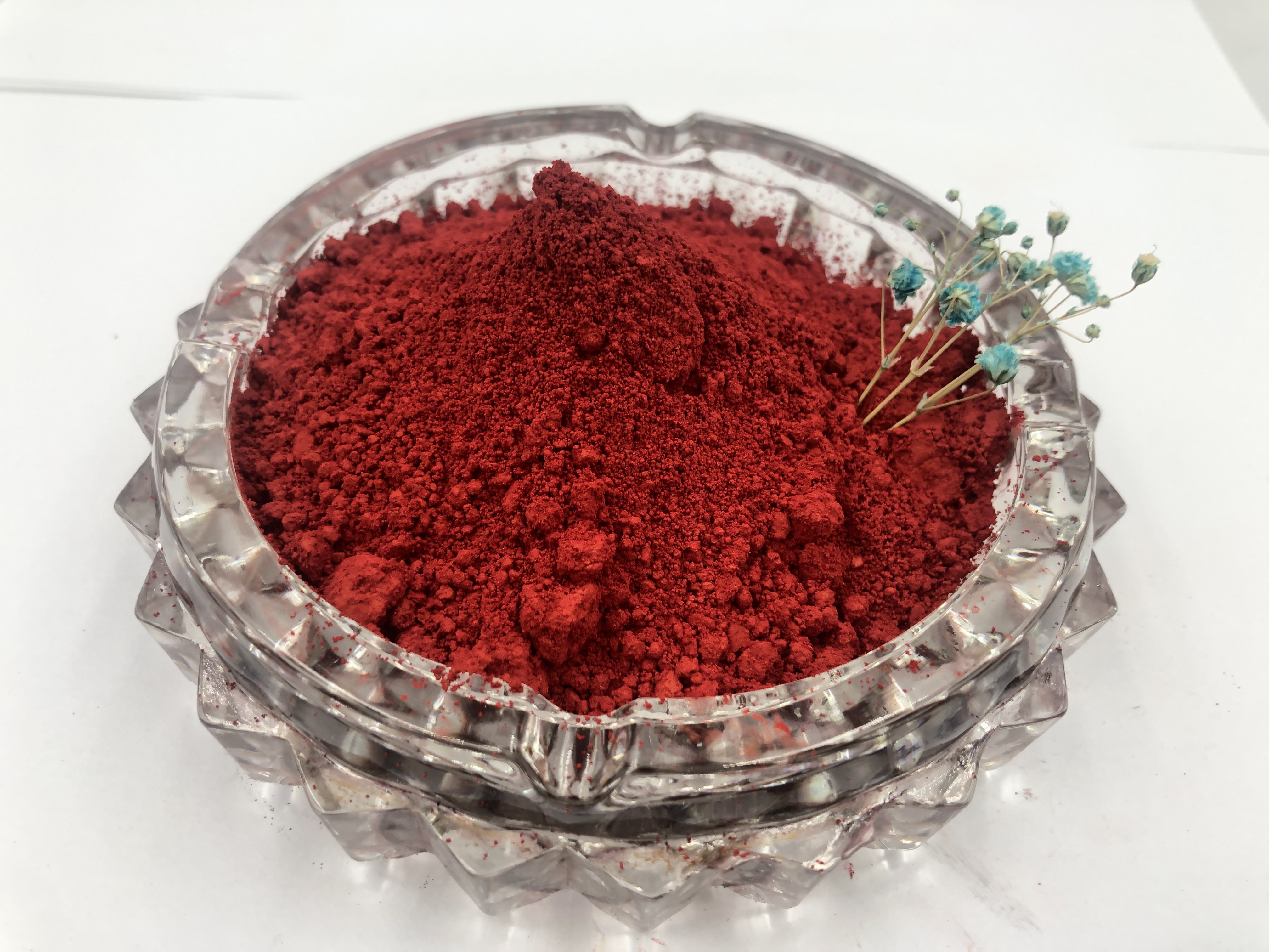 Red 81111 5-6 Grade Light Fastness Excellent Solubility For Ink With Nice Sun Fastness